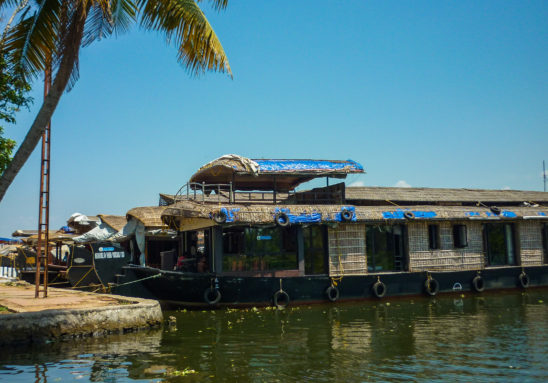 Boat house - Honeymoon boats