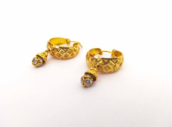 Light weighted Women Golden Ear Rings