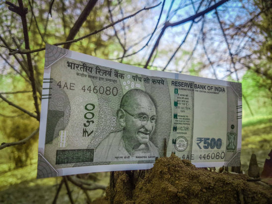 500 rs note falling down